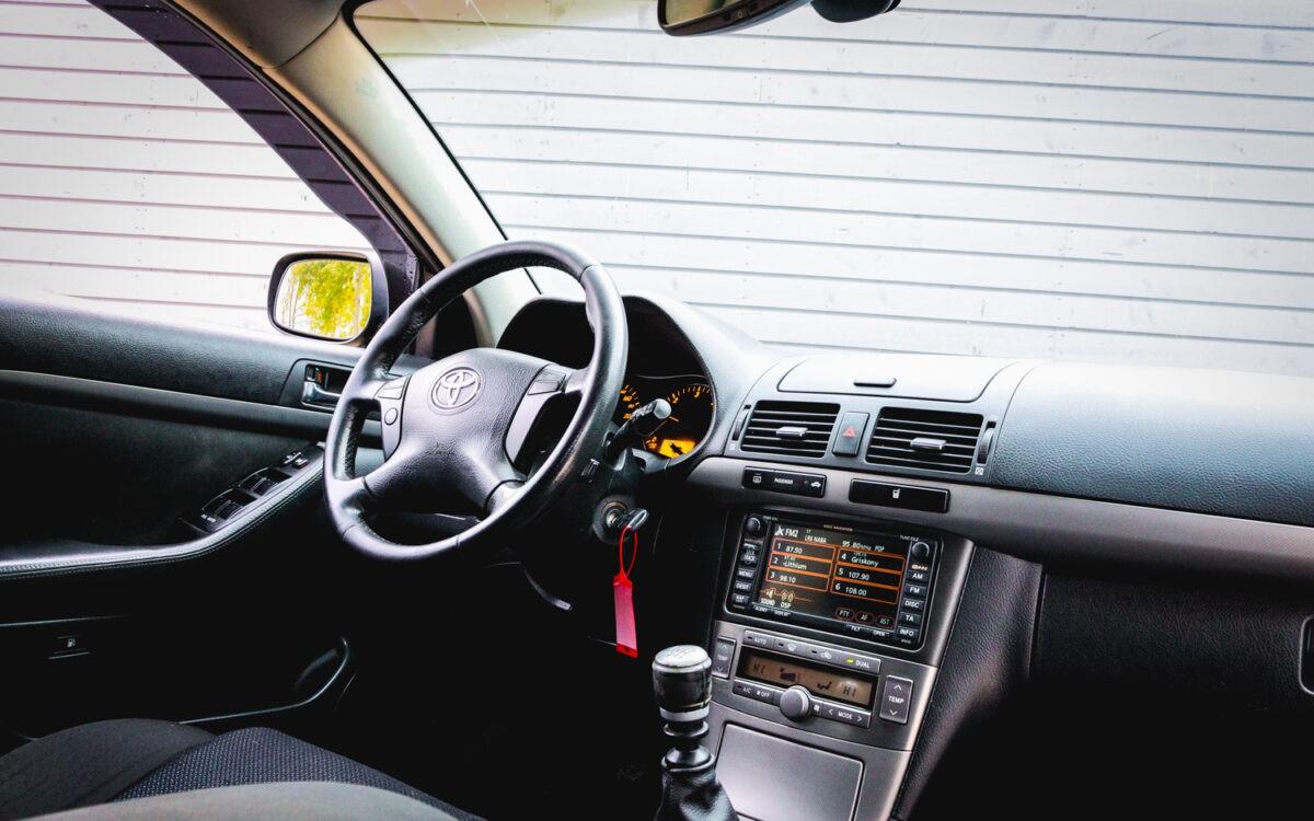 Toyota_Avensis _pirkt_leti_lietoti_auto-10