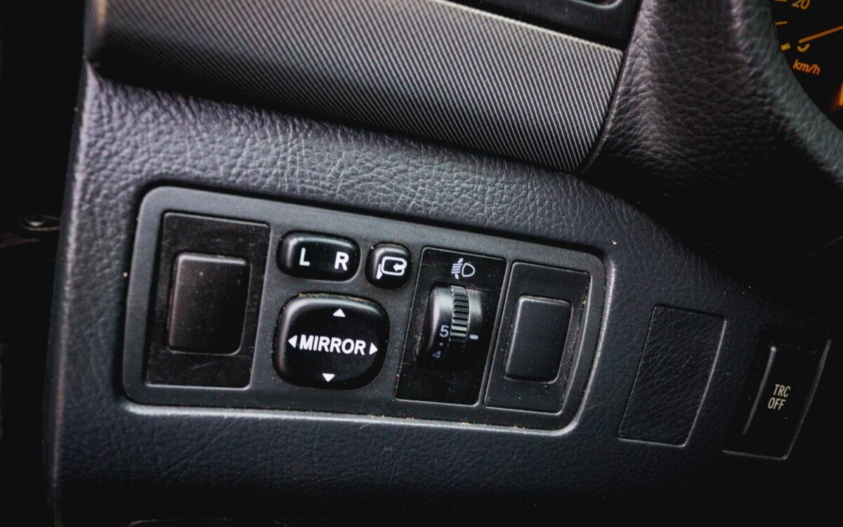 Toyota_Avensis _pirkt_leti_lietoti_auto-4