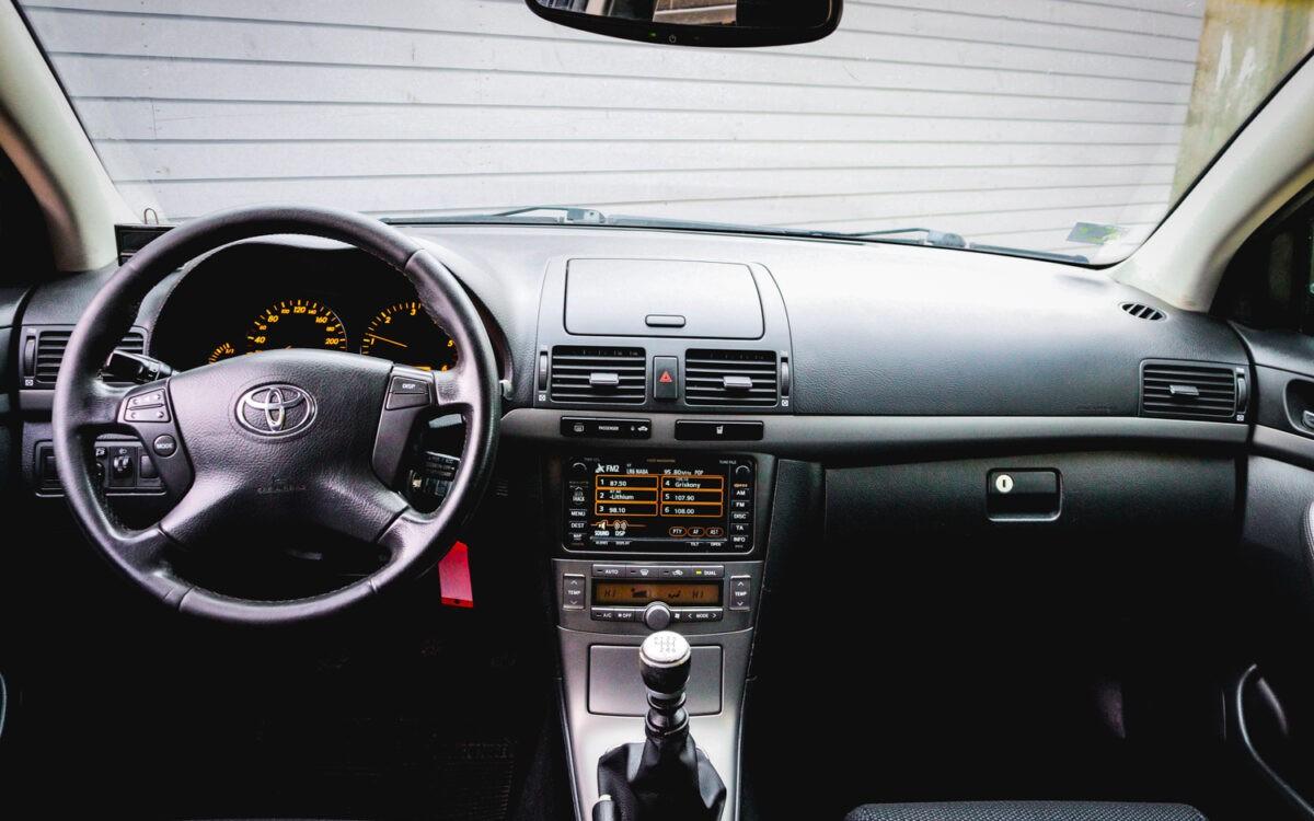 Toyota_Avensis _pirkt_leti_lietoti_auto-9